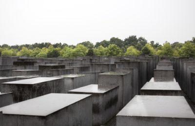 Gedenken an die Reichspogromnacht @ Mahnmal in der Mauerstraße